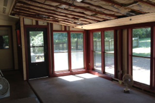 Plumb construction four seasons rooms and sunrooms in for Four season rooms pictures